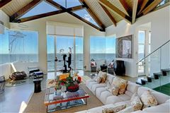 The Glass House luxury homes