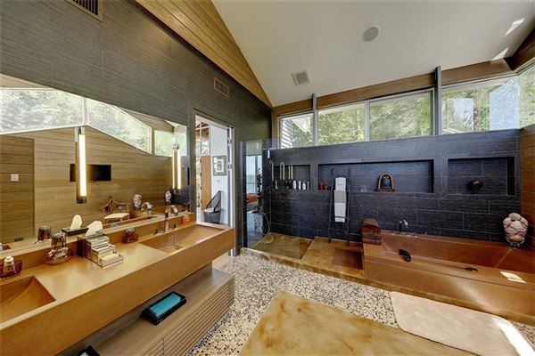 Luxury homes in The Glass House