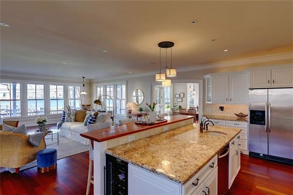 Mansions in exquisite property on barrington harbor