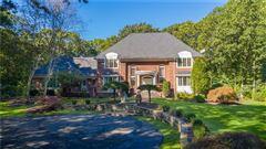 Mansions a private five acre estate