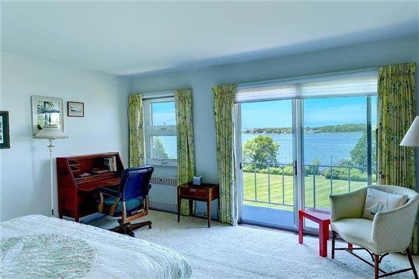 five-plus acre waterfront estate mansions