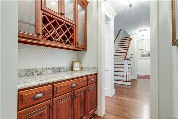 Luxury properties a quiet and private cul-de-sac home
