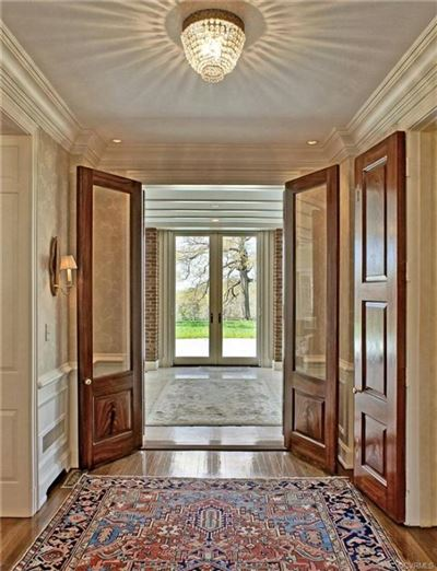 Luxury homes in a 32.9-acre gated country estate in Eastern Goochland