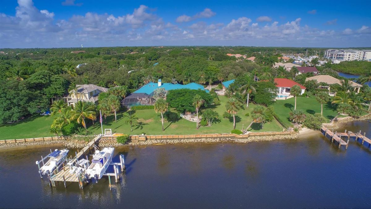 Luxury real estate giant lot by South Florida Intracoastal Waterway
