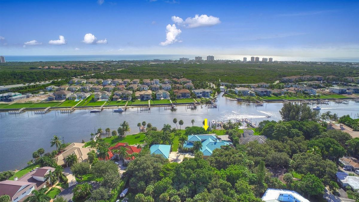 Luxury properties giant lot by South Florida Intracoastal Waterway