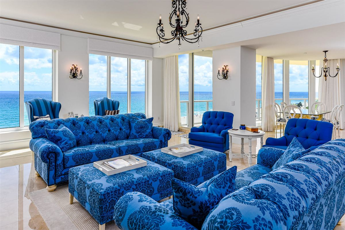 Luxury homes The Ritz-Carlton tower suite