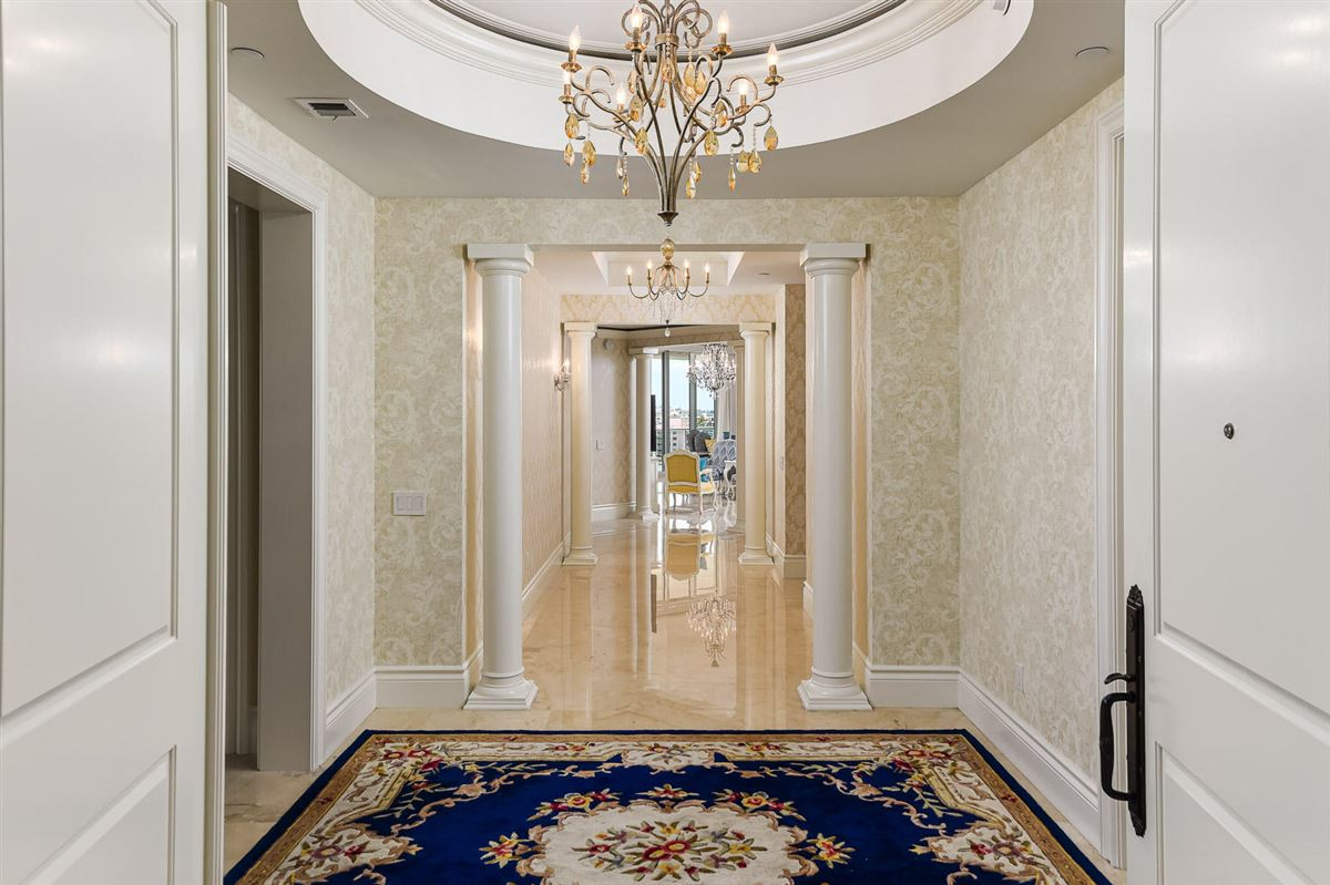 Luxury homes in The Ritz-Carlton tower suite