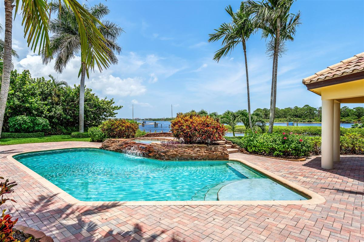 One of the best lots in Admirals Cove mansions