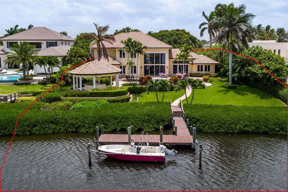 Luxury homes One of the best lots in Admirals Cove
