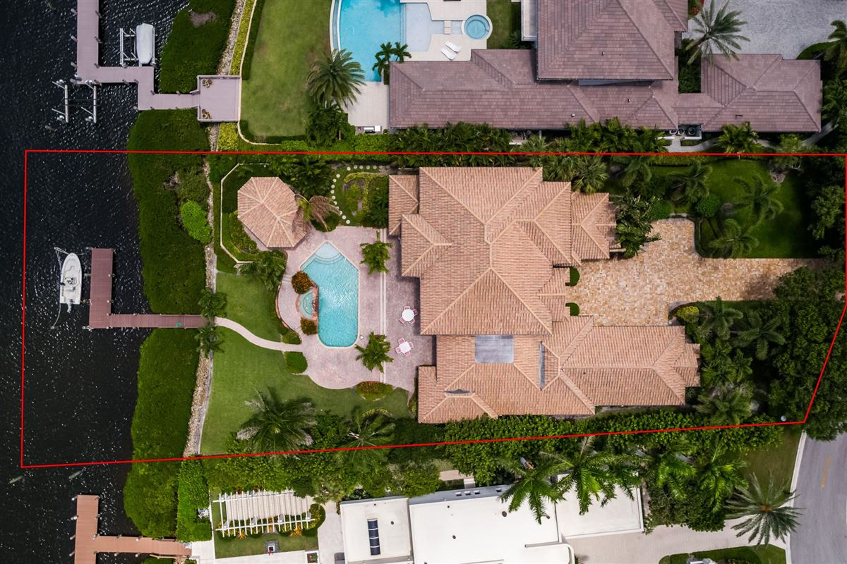 One of the best lots in Admirals Cove luxury homes