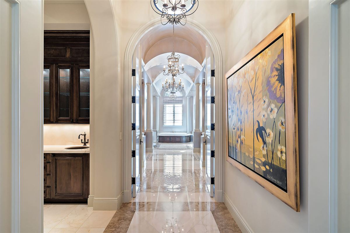 Mansions in gracious luxury living