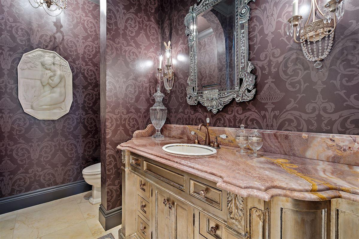 Luxury homes gracious luxury living