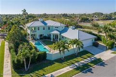Mansions florida indoor-outdoor living at its finest