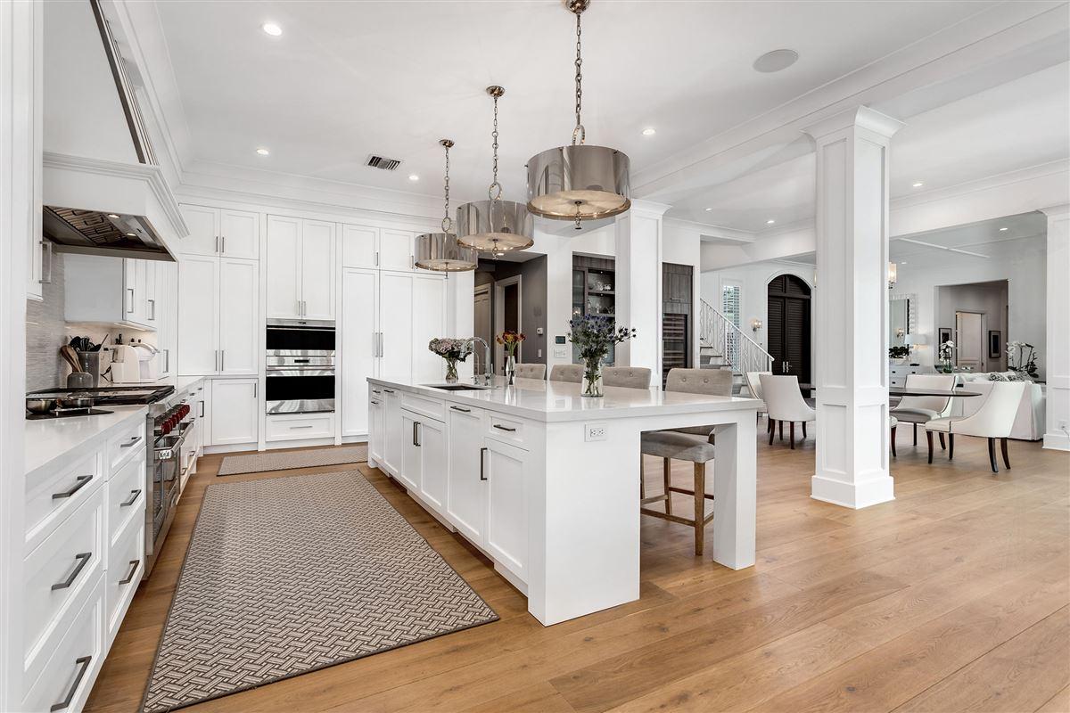 Mansions luxury custom estate in exclusive community