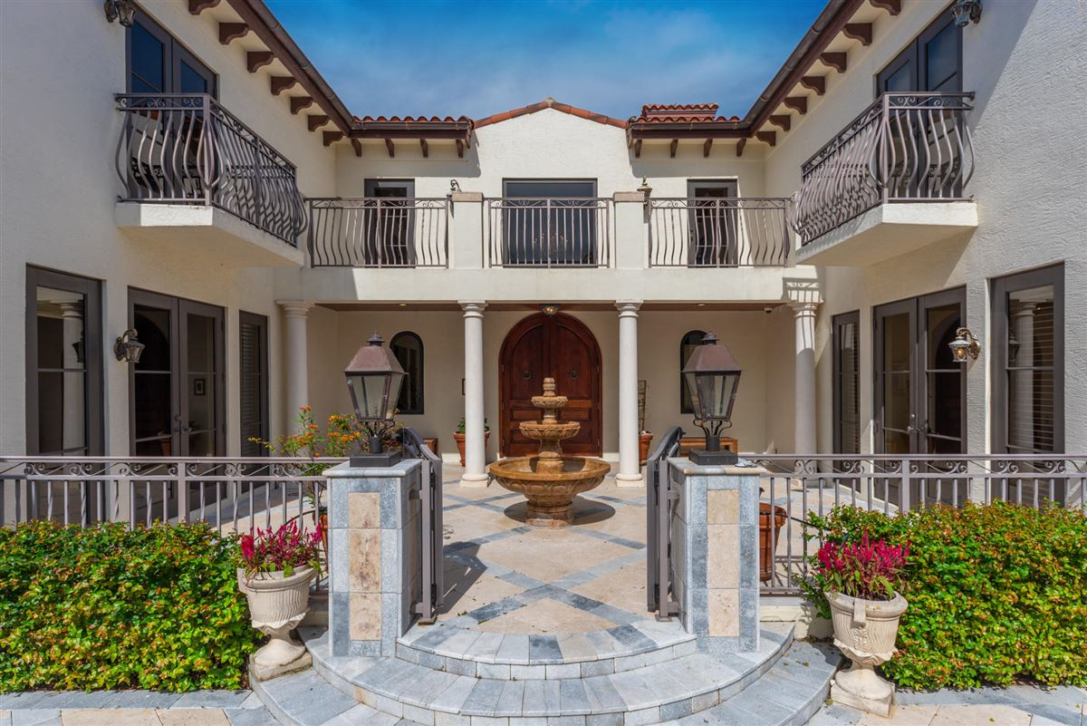 Spectacular direct Intracoastal home luxury real estate