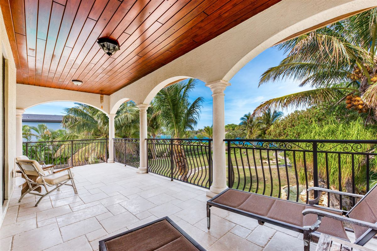 Luxury real estate Spectacular direct Intracoastal home