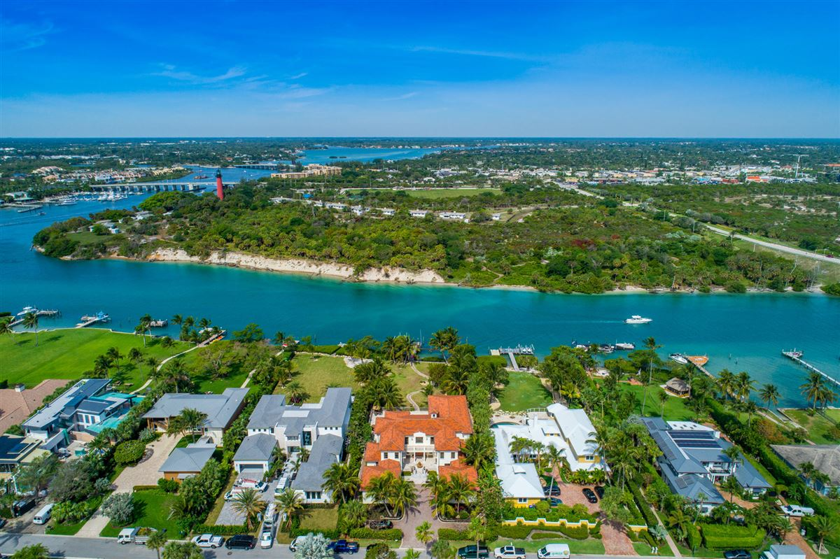 Mansions Spectacular direct Intracoastal home