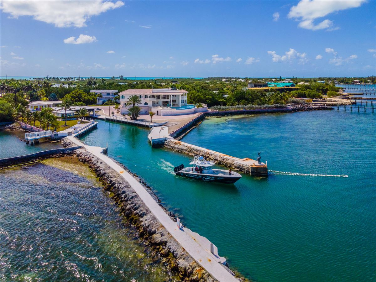 Luxury homes Paradise Found in The Florida Keys