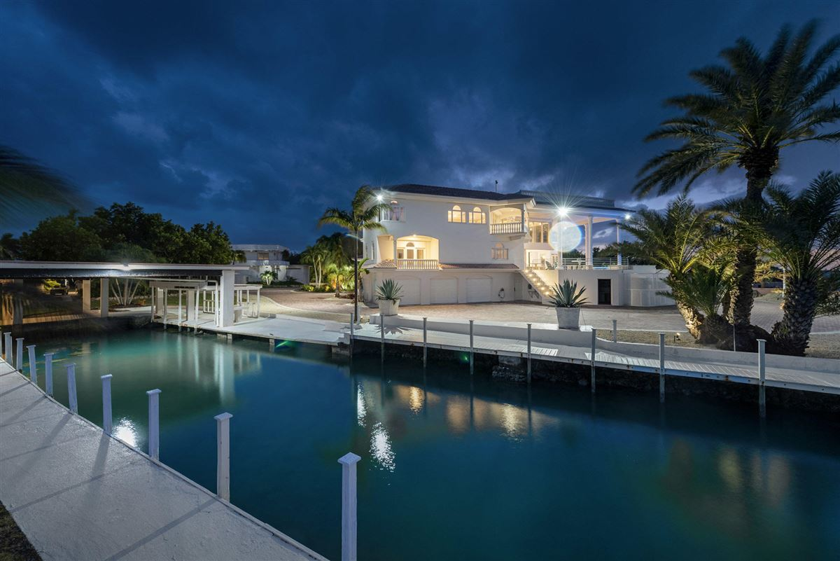 Paradise Found in The Florida Keys mansions