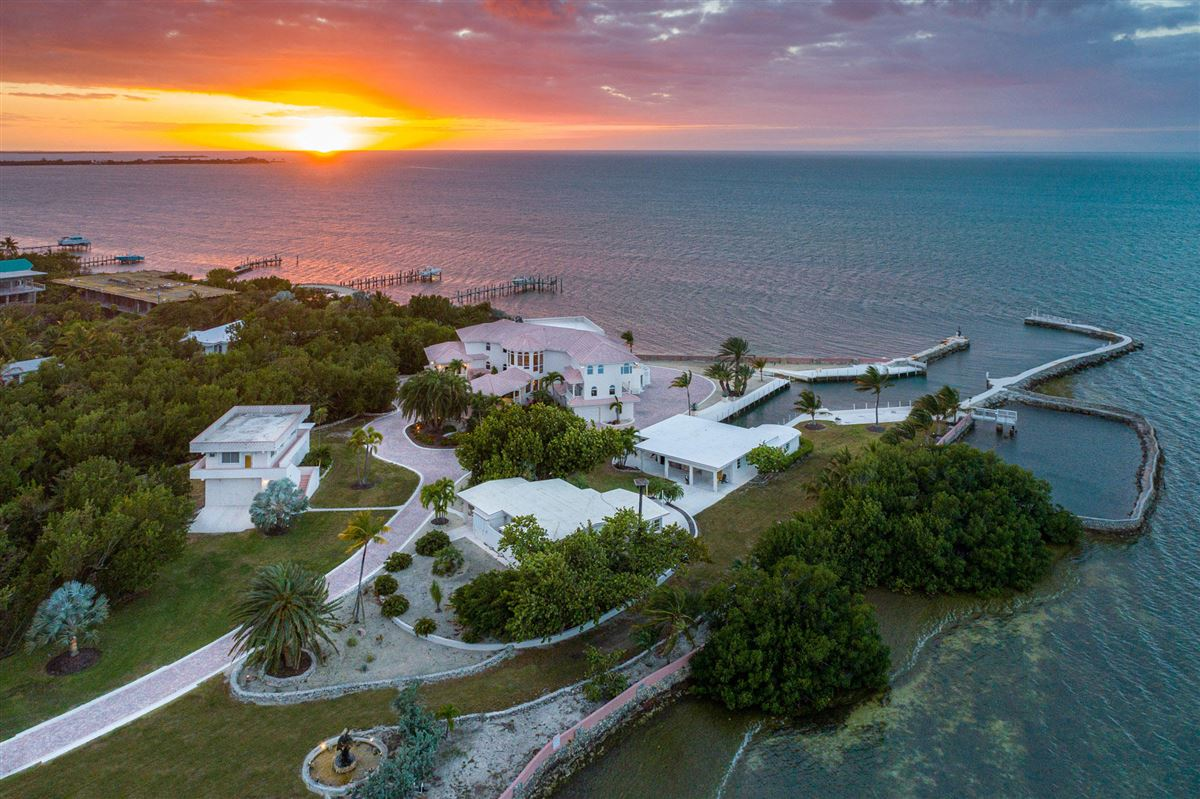 Mansions in Paradise Found in The Florida Keys