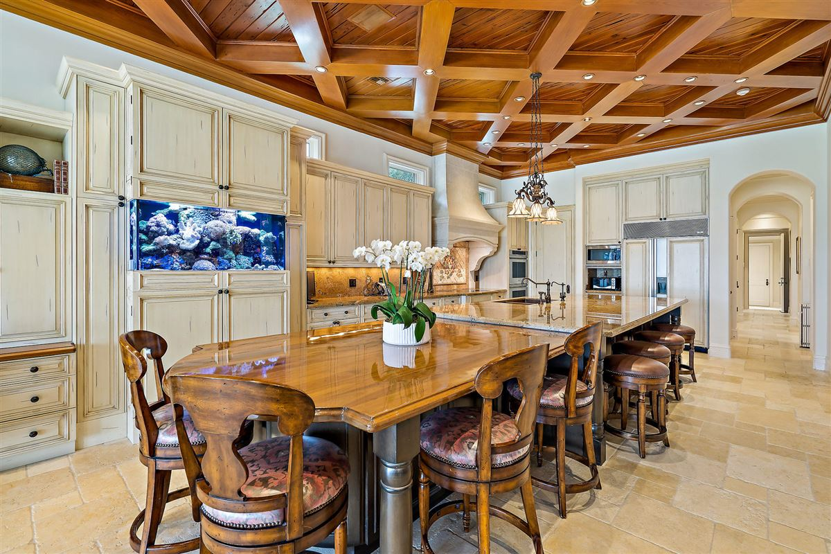 Magnificent Northern Palm Beaches Residence luxury real estate