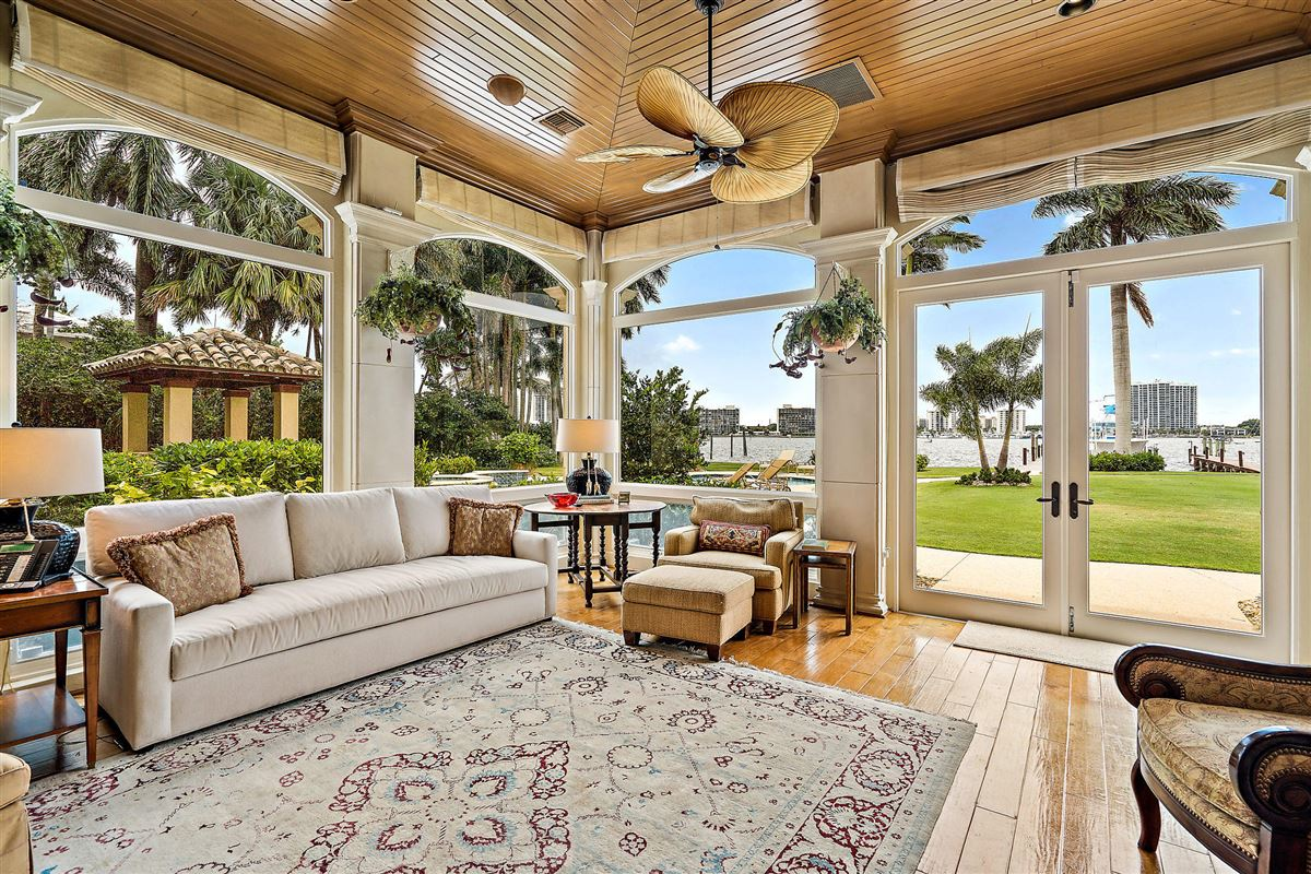 Magnificent Northern Palm Beaches Residence mansions