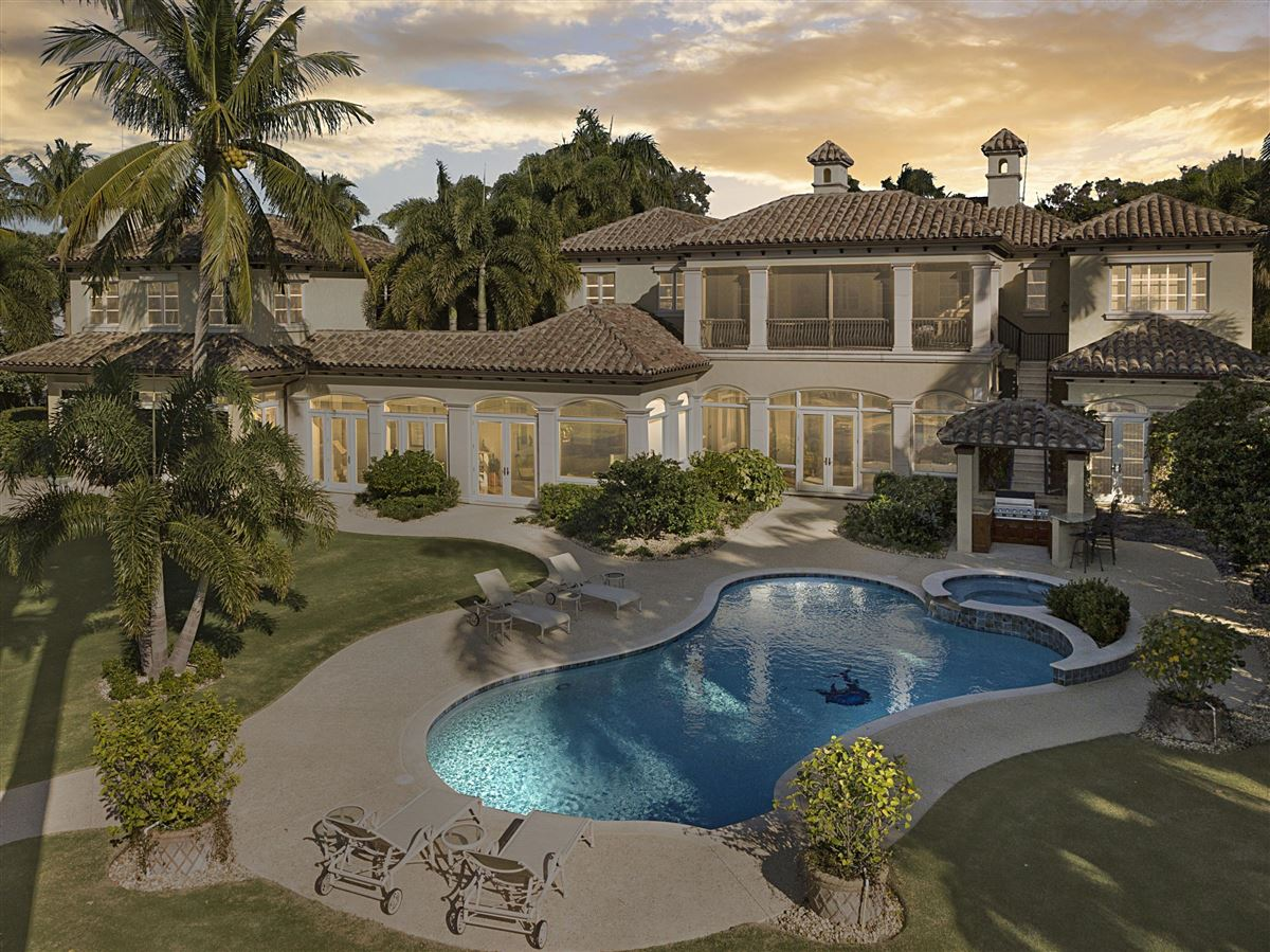 Luxury homes in Magnificent Northern Palm Beaches Residence