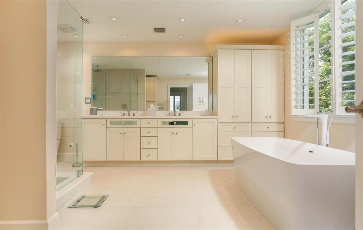 Luxury homes  beautifully renovated luxurious condo