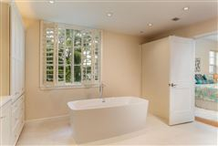 beautifully renovated luxurious condo luxury properties