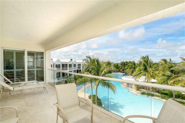 beautifully renovated luxurious condo luxury real estate