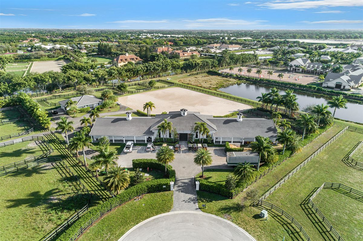 Luxury homes amazing equestrian property