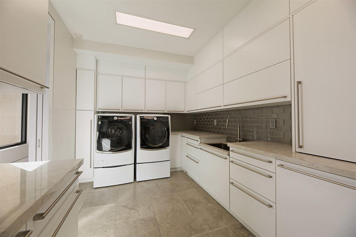 prestigious custom built home luxury real estate