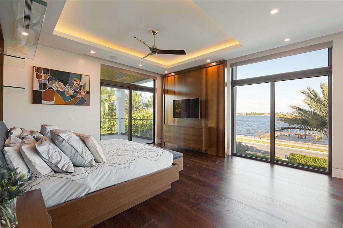 Luxury homes prestigious custom built home