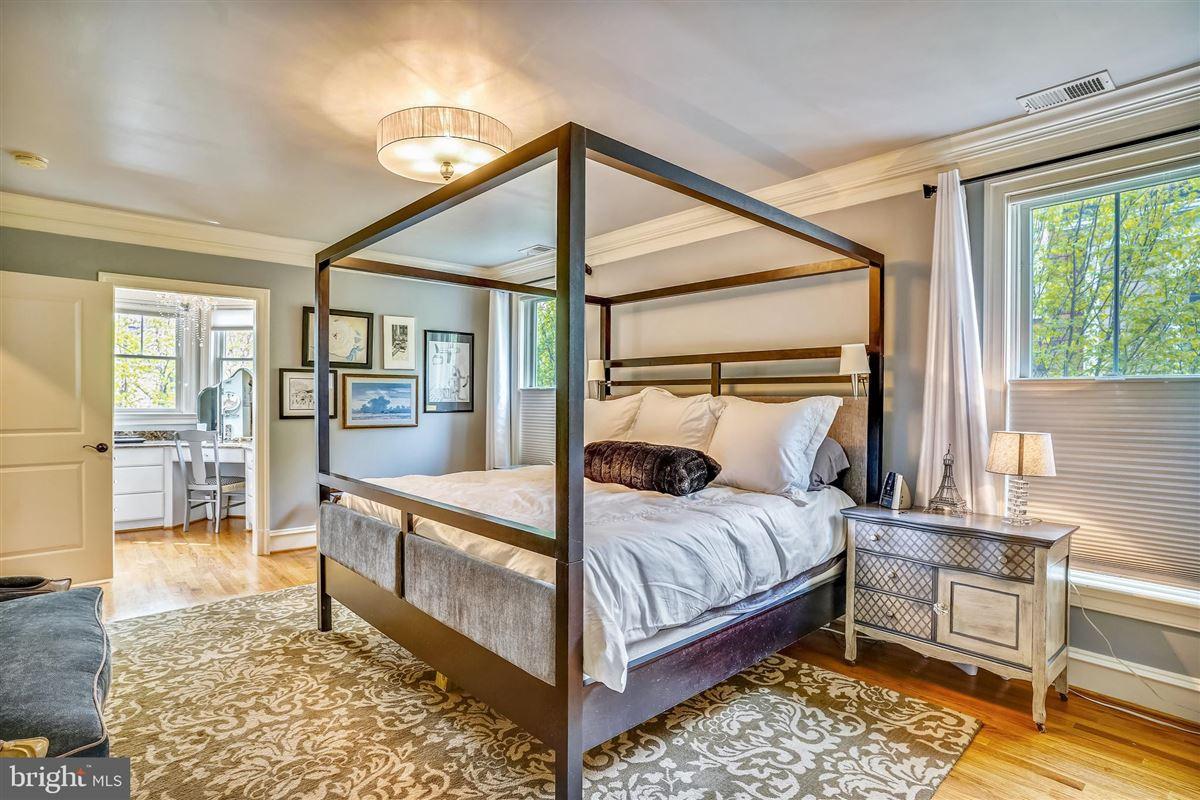 spectacular craftsman style luxury properties