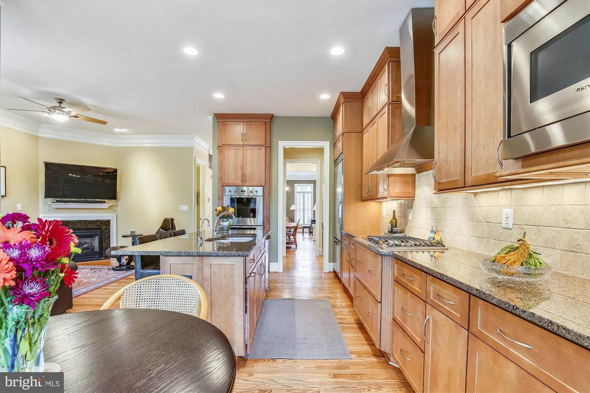 Mansions sophisticated stockwell manor townhome