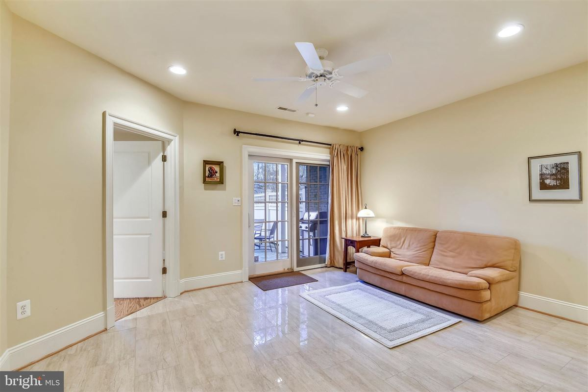 sophisticated stockwell manor townhome luxury homes