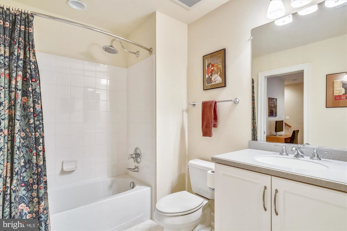 Luxury properties sophisticated stockwell manor townhome