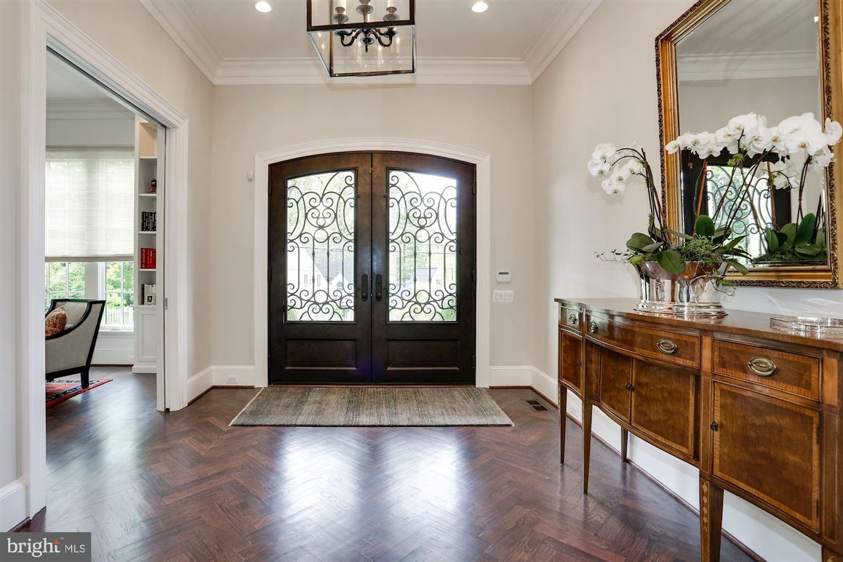 Luxury homes Exquisite French Country Stucco Home in north arlington