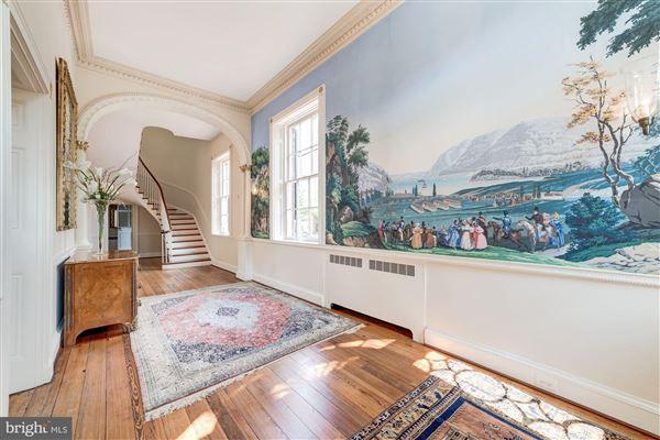 historic Lafayette House luxury homes