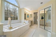Shows like new luxury homes