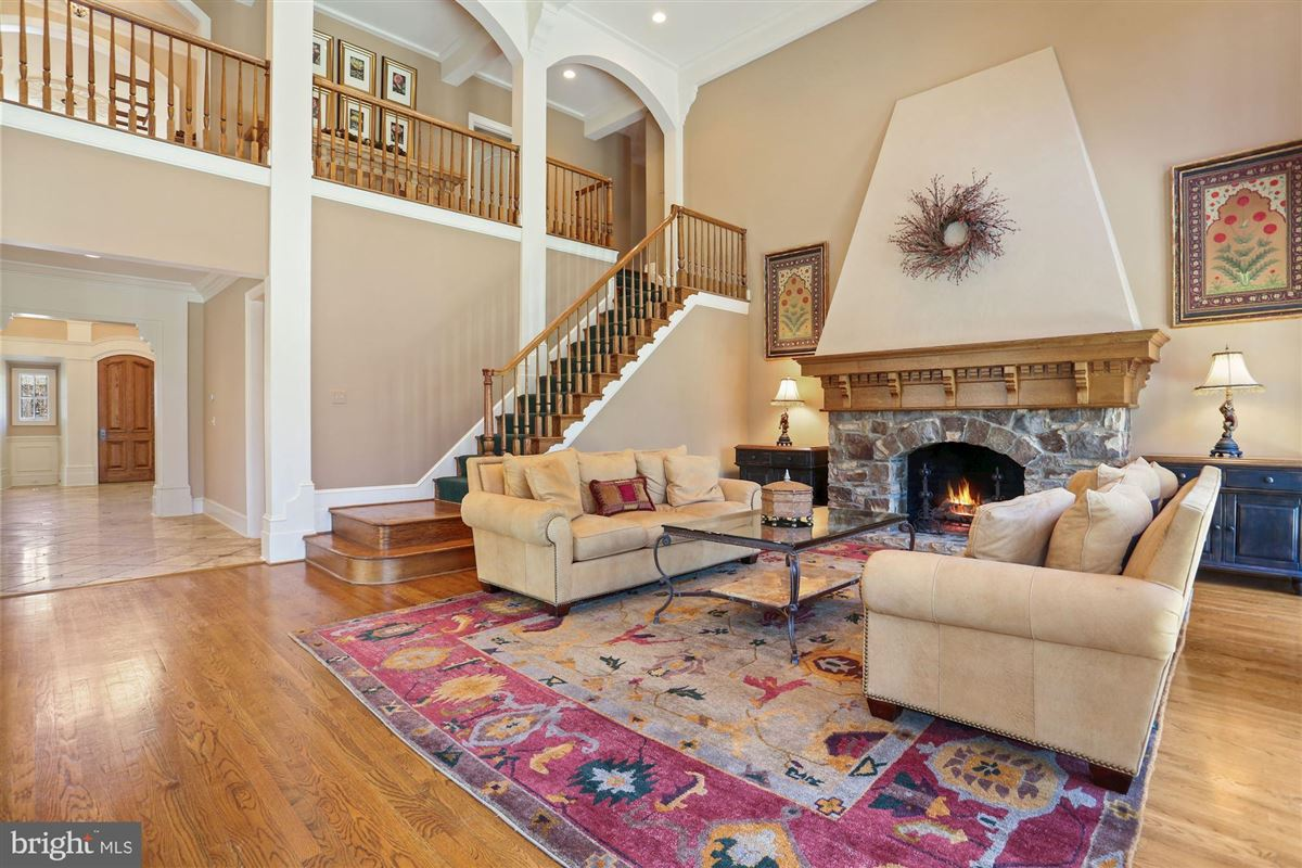 Mansions Award-winning property in sought after Woodlea Mill