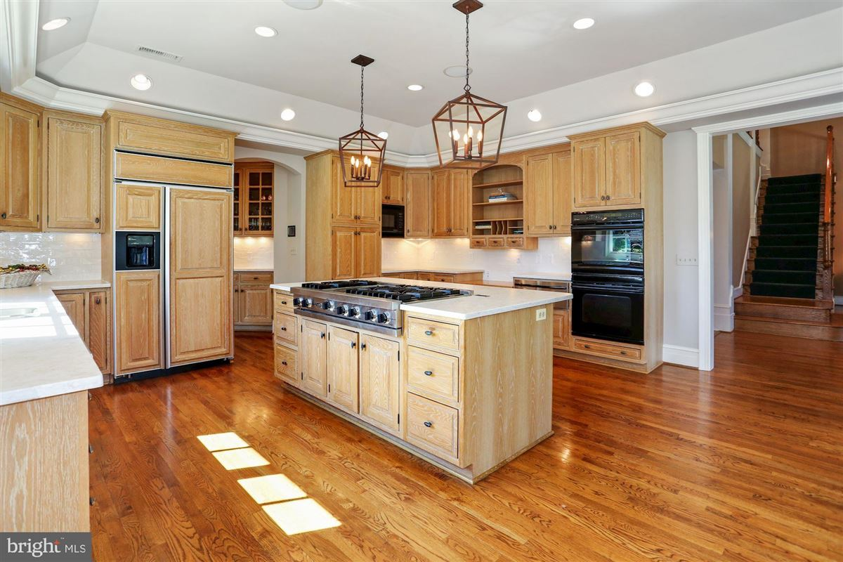 Mansions in Award-winning property in sought after Woodlea Mill