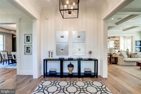Luxury properties New modern farmhouse with high end finishes