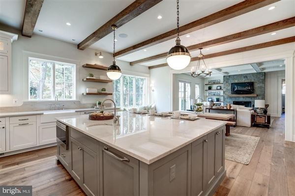 Mansions in New modern farmhouse with high end finishes