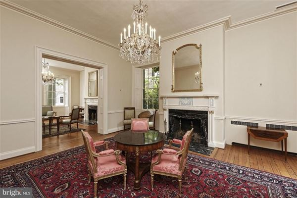 historic Lafayette House in alexandria luxury real estate