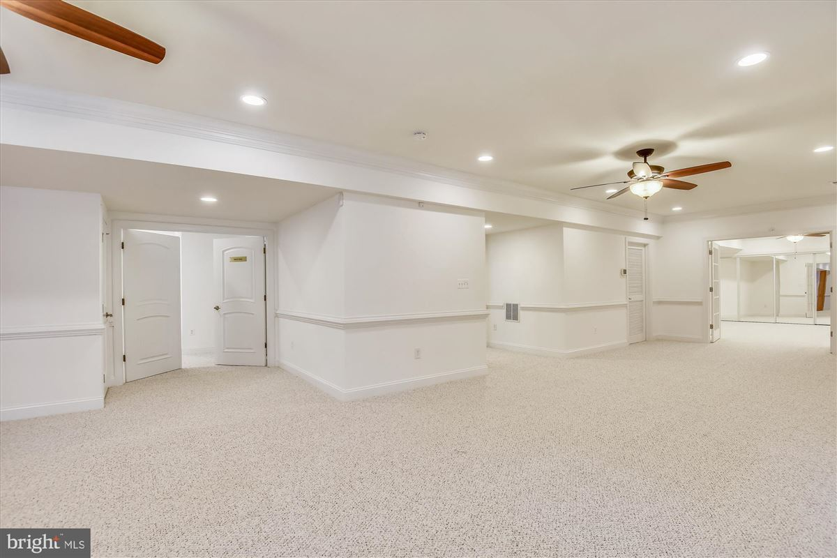 spacious solid brick colonial luxury real estate