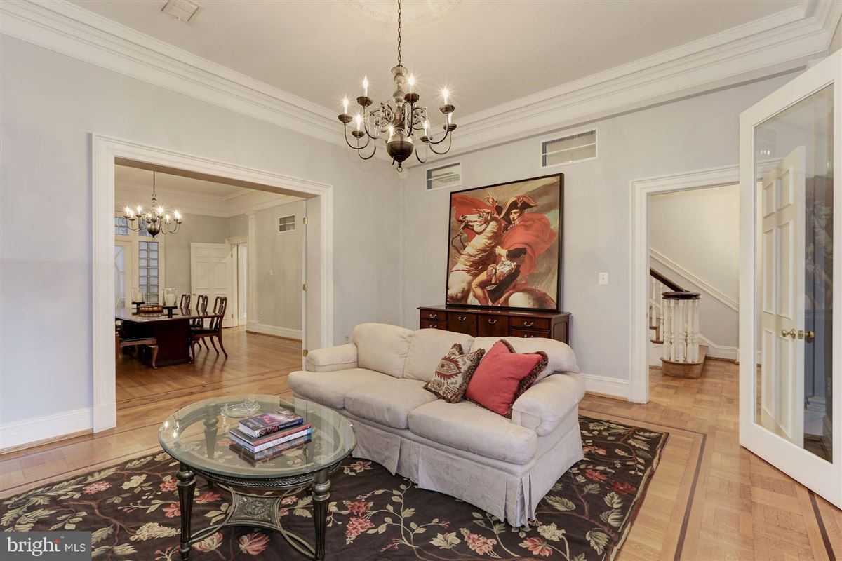 thoughtfully renovated 1906 Kalorama home mansions