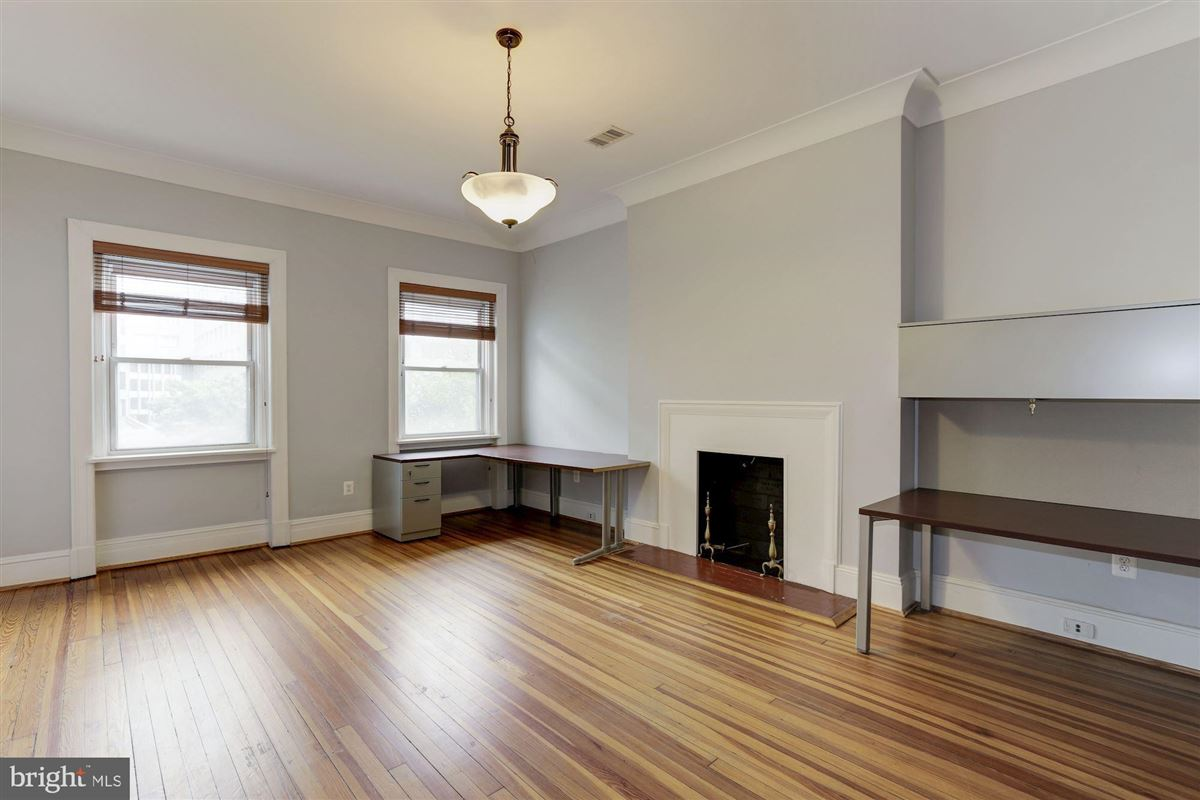 thoughtfully renovated 1906 Kalorama home luxury real estate