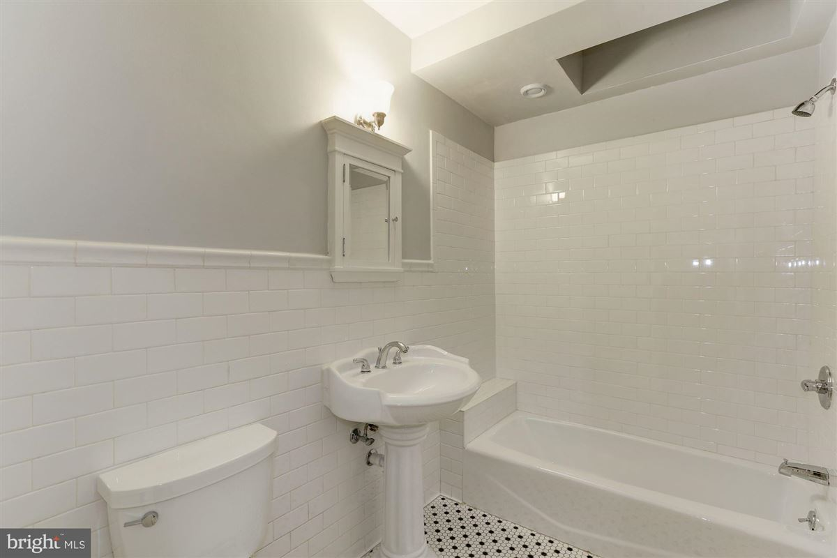 Mansions thoughtfully renovated 1906 Kalorama home