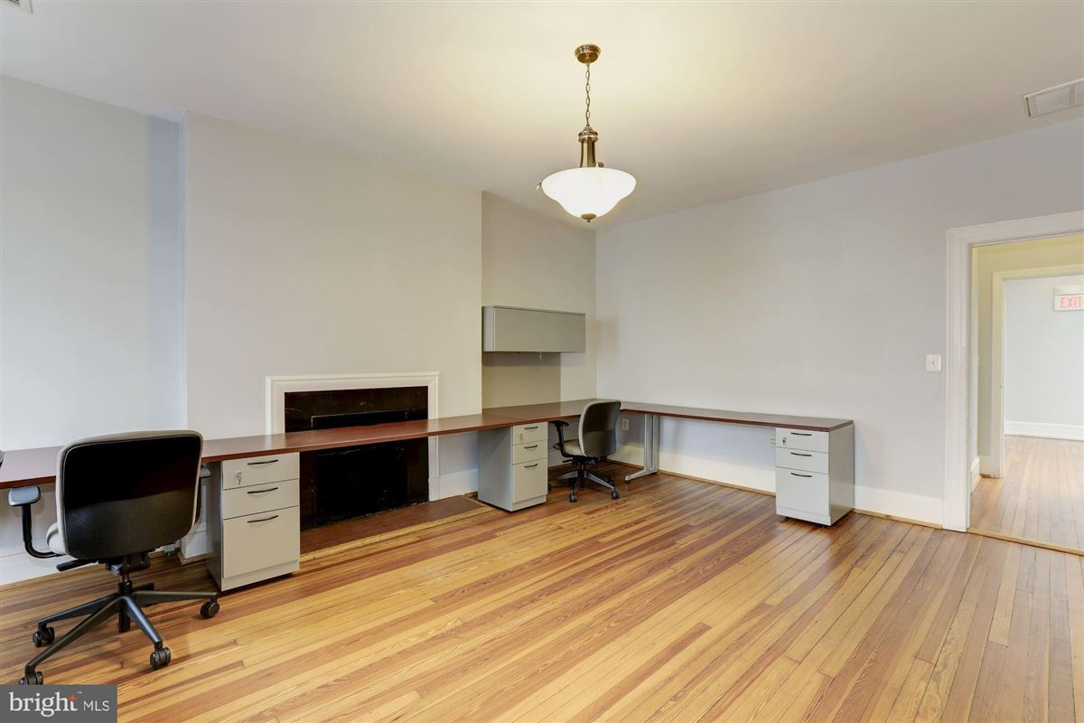 Luxury homes thoughtfully renovated 1906 Kalorama home